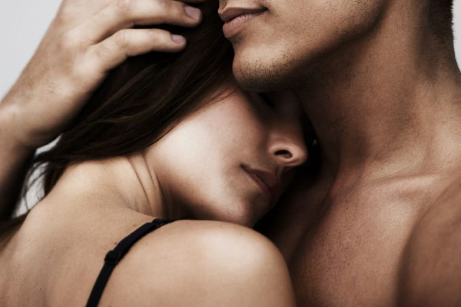 Power Of Smells – How To Attract Women Without Talking